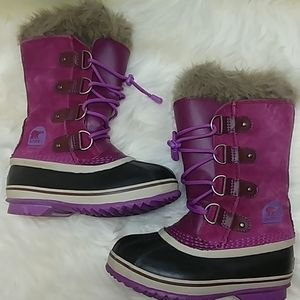 Sorel tofino boots youth size 1